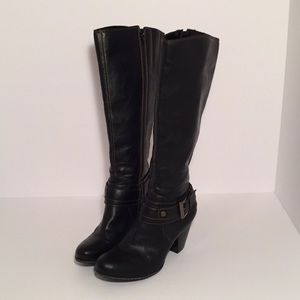 b.o.c black boots with buckle 3 inch Heel